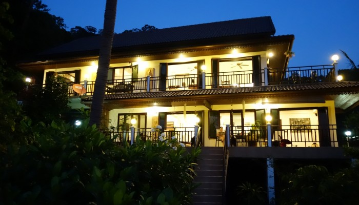 Koh Tao Star Villa at Night